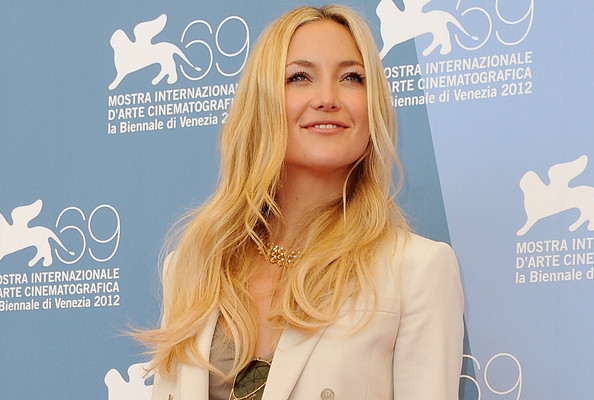Look of the Day: Kate Hudson Suits Up