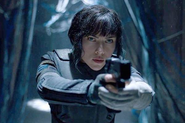 Scarlett Johansson Addresses The Ghost In The Shell Casting Controversy Celebrity News Zimbio