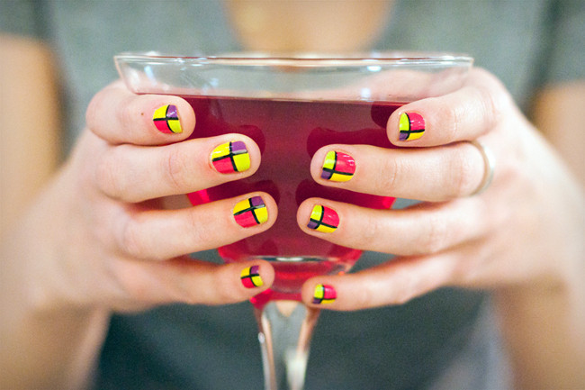 Sips and Tips: The It Girl and the Pop Art Mani