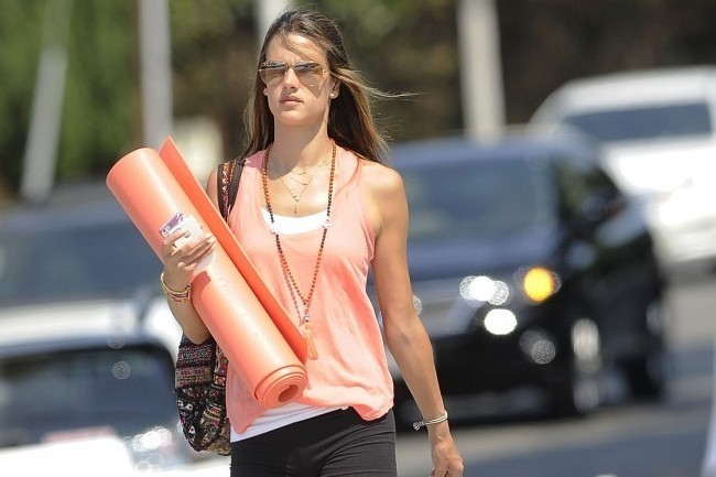 Tone Your Legs Like Alessandra Ambrosio, How to Really Prevent Varicose Veins, and More