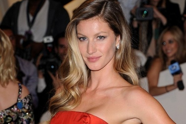 Gisele Reveals New H&M campaign, Which 'Girls' Star Lands TWO Modeling Gigs, and More!
