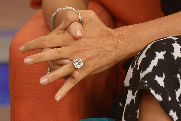 Tuesday Tip: How to Pick the Right Engagement Ring for Your Hand