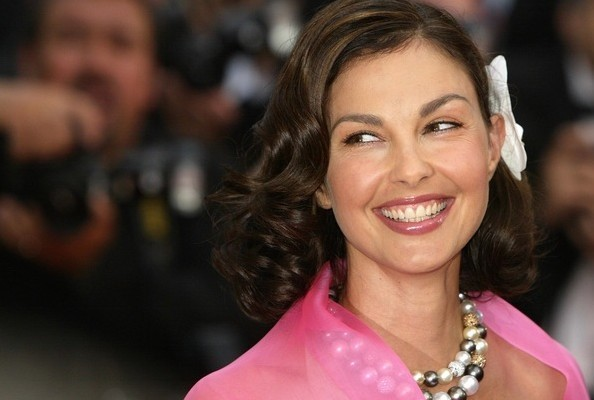 Weekend News Roundup: Ashley Judd Running for Senate? And More.