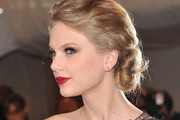 10 Celebrity-Inspired Valentine's Day Hair & Makeup Ideas