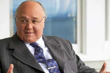 'The Loudest Voice' Makes Us Question If We Need To Tell Roger Ailes' Story