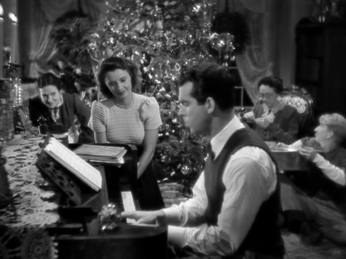 5 classic christmas movies everyone should see - Classic Christmas Movie
