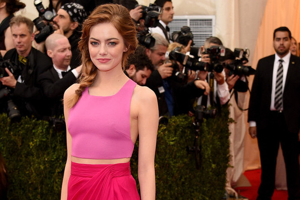 Emma Stone Speaks Out About Judging Our Bodies, Adam Levine Goes Blonde For No Reason, And More
