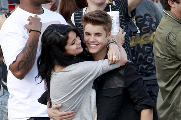 Justin Bieber and Selena Gomez Attempt to Convey Their Passion for Each Other Through Interpretive Dance