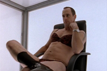 Christopher Meloni in Underwear Is the Hot New Meme Taking Over the Internet