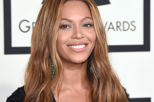 Unretouched Images of Beyoncé Cause a Stir, Pizza Hut Gets into Nail Polish and More