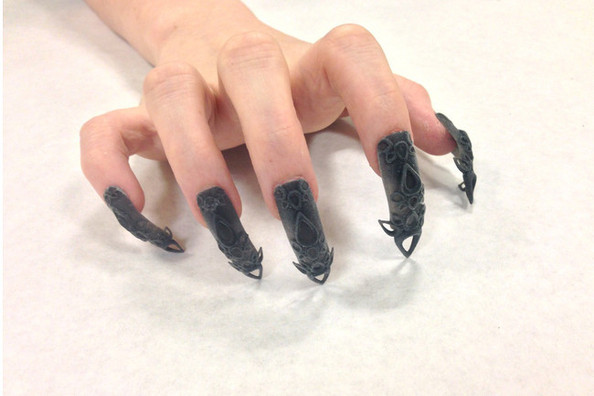 Would You Dare to Wear 3D Nails?