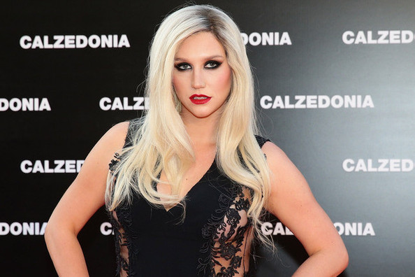 Ke$ha Dresses Very Un-Ke$ha-Like When She's in Italy