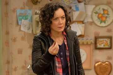 We May Get A 'Roseanne' Spin-Off Centered On Sara Gilbert's Character Darlene Conner