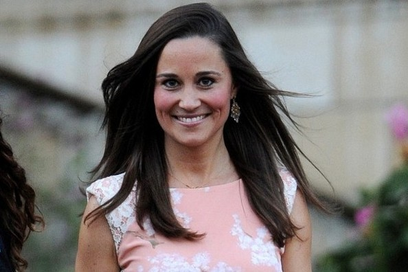 Pippa Middleton Joins 'Vanity Fair,' Rihanna Tours Coco Chanel's Apartment, and More!