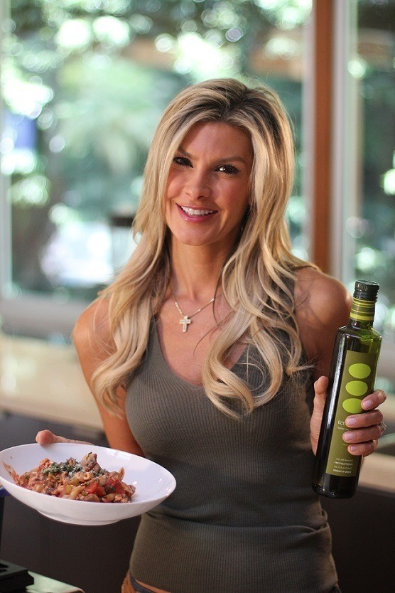 Holiday Health Tips from Celeb Nutritionist Christine Avanti