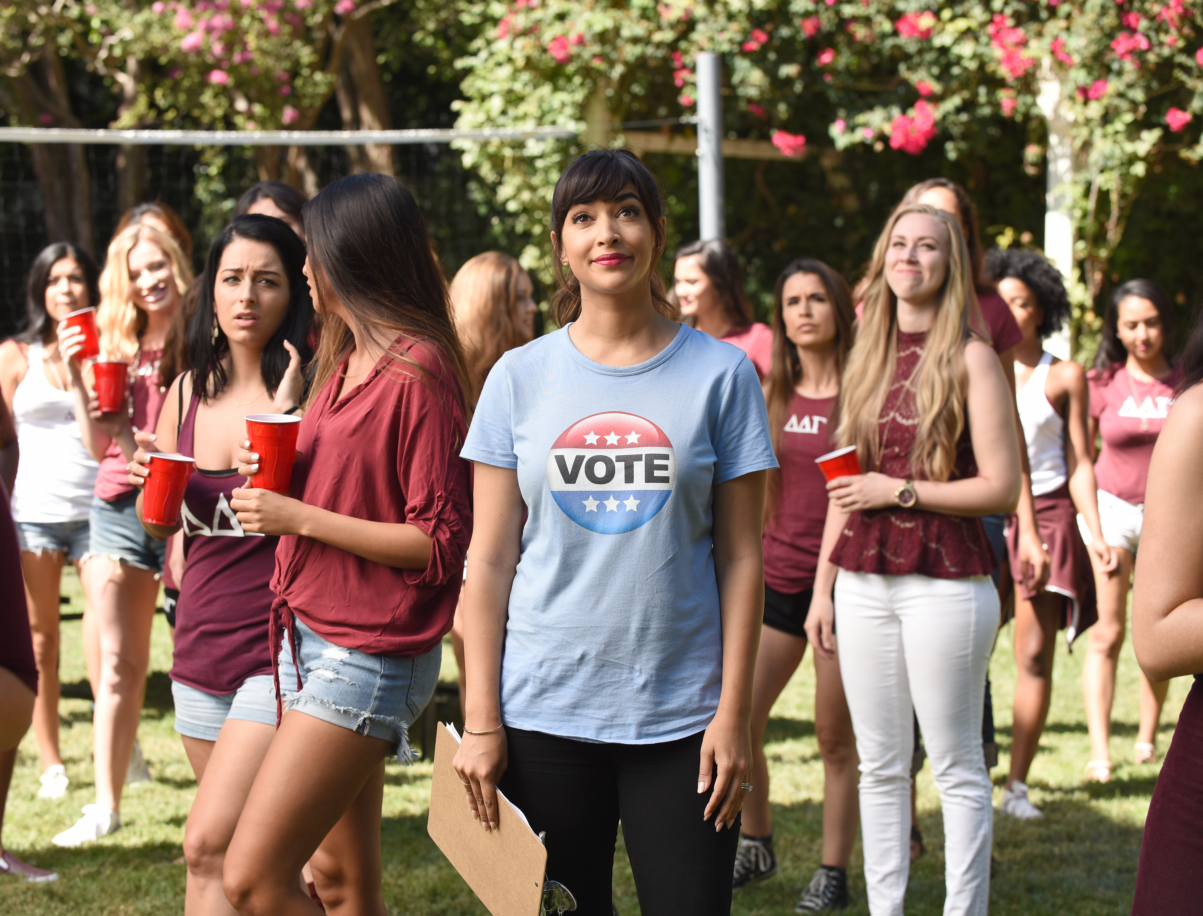 'New Girl' Star Hannah Simone on the Uncertain Future of the Series, Getting Shot by Arnold Schwarzenegger, & Her Wild New Survival Show 'Kicking & Screaming'