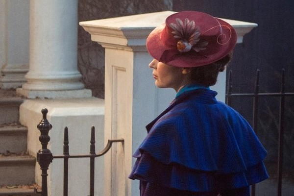 Disney releases first look at Emily Blunt as Mary Poppins