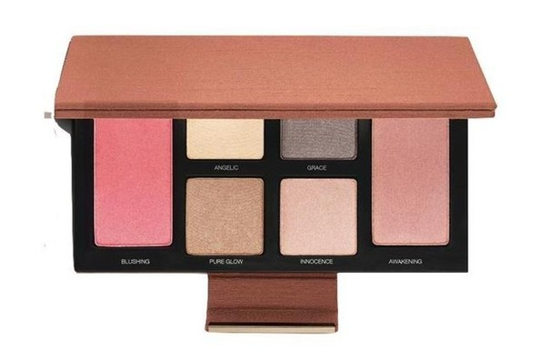 Newest Addition To Our Makeup Bag: Laura Mercier New Eye & Cheek Palette