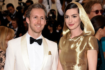 Anne Hathaway's Having a Baby!