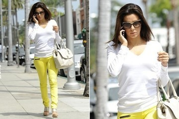 Eva Longoria goes to a medical office in beverly hills.