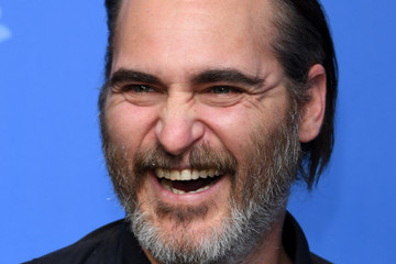 Joaquin Phoenix Confirmed To Reboot The Joker For Standalone '80s Movie