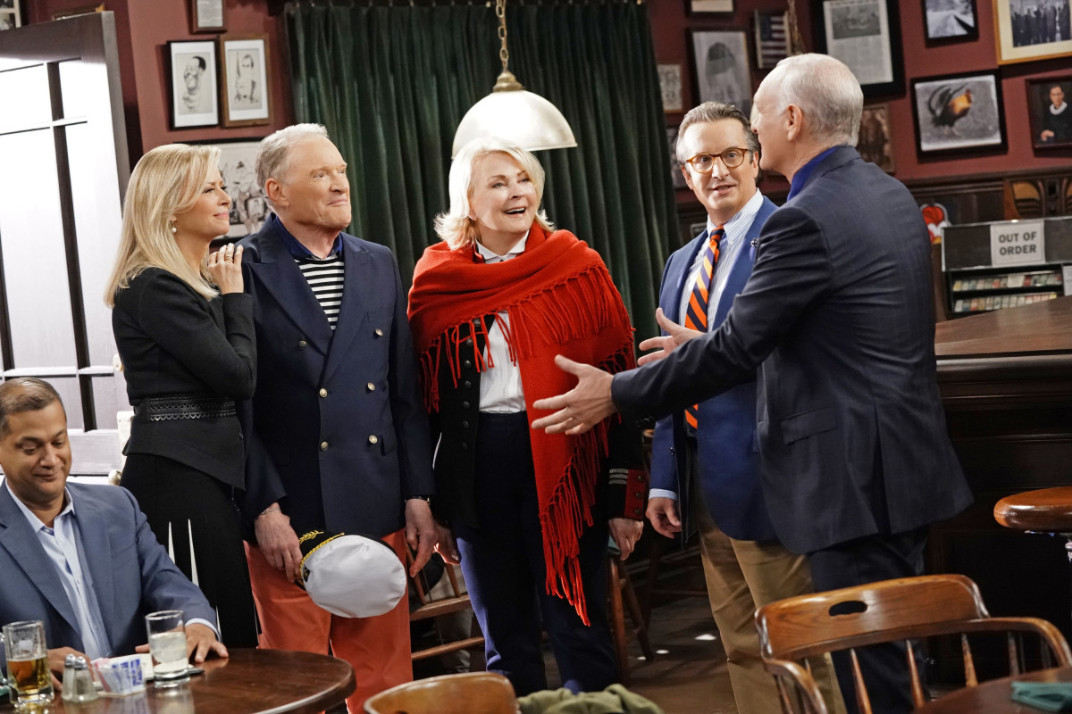 """The """"Fake News"""" We Deserve: &squot;Murphy Brown&squot; Is Back!"""