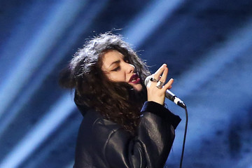 LISTEN: Lorde's Cover of Tears for Fears' 'Everybody Wants to Rule the World' Is So Intense