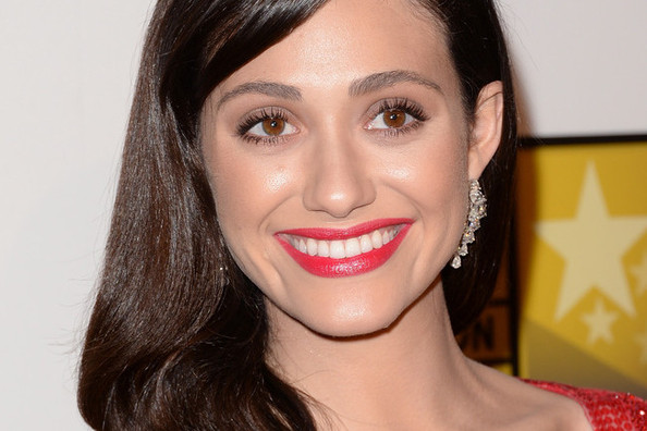 The Styling Secrets (& Products!) Behind Emmy Rossum's High-Shine Waves