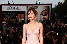 Look of the Day: Dakota Johnson's Pretty Prada Gown