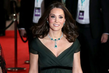 Kate Middleton Dazzles in Emerald on the BAFTAs Red Carpet