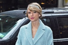 Look of the Day: Taylor Swift's Holiday Look