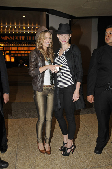 http://www2.pictures.zimbio.com/pc/90210+star+AnnaLynne+McCord+sister+Angel+seen+KWe0BwyG4jLl.jpg
