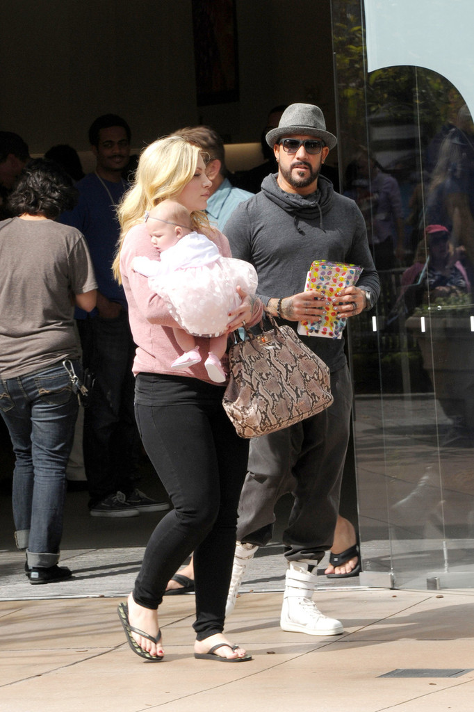aj mclean shops with his family zimbio