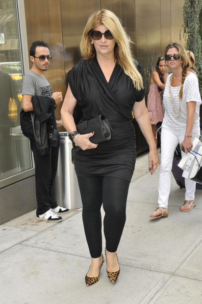 "Actress Kirstie Alley was seen leaving a SoHo apartment in New York.  The ""Dancing With The Stars"" alumna looks dashing as she walks out into public."