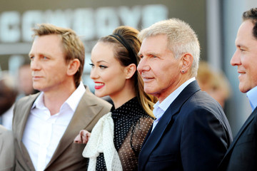 Harrison Ford Jon Favreau Stars at the UK Premiere of 'Cowboys and Aliens'