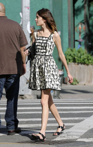Alexa Chung Photos Photos Alexa Chung Strolls Around The East