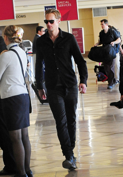 Alexander Skarsgard - 'True Blood' hunk Alexander Skarsgard seen dressed all in black while catching a flight at the LAX Los Angeles Airport