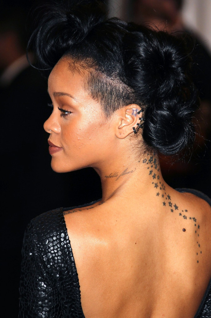Rihanna Photos Photos - Celebs at the Costume Institute