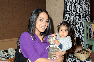 Anisha Nagarajan Angie Everhart and son Kayden attend Jayeoni Moore's pre-Oscar Studio gifting suite