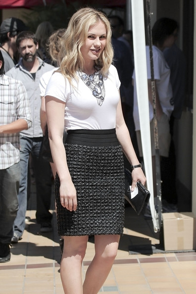 Anna Paquin in Hollywood []