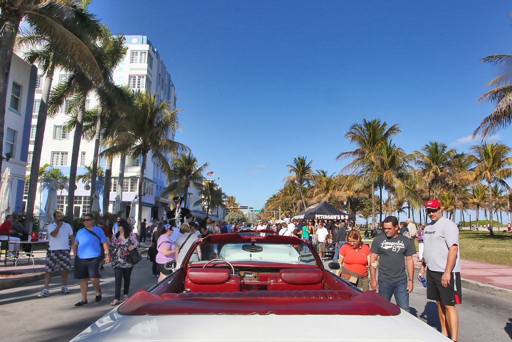 Art deco weekend on miami beach 39 s ocean drive zimbio for What to do in miami this weekend