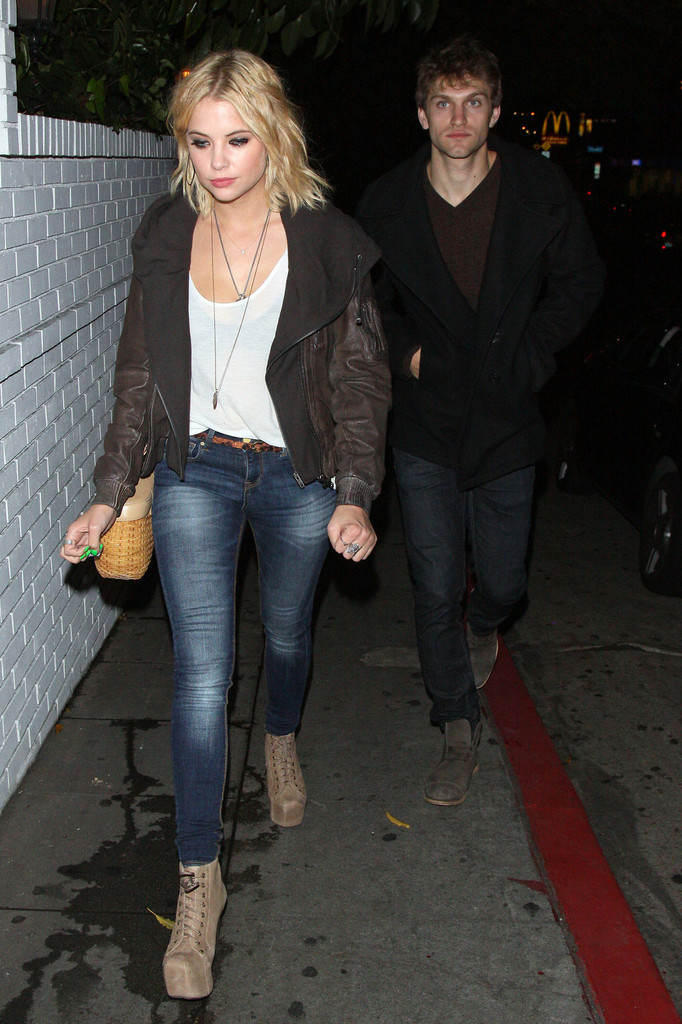 Keegan Allen And Ashley Benson Kissing Ashley Benson a...