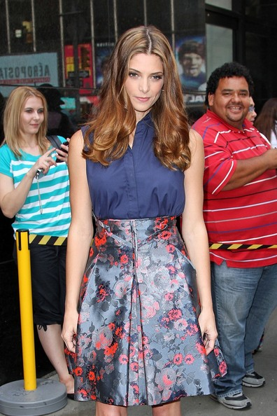 "Ashley Greene - Ashley Greene stops to pose outside of ""Good Afternoon America"" in New York City"