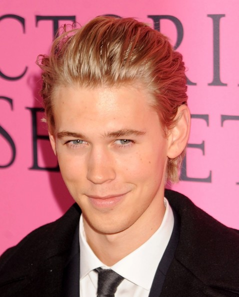 Austin Butler - Celebs on the Red Carpet at the Victoria's Secret