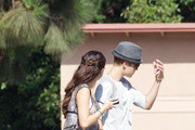Actress Selena Gomez gets a visit from her pop star boyfriend Justin Bieber as she films for 'Parental Guidance' in Los Angeles with actor Nat Wolf and Australian actor Lachlan Buchanan.