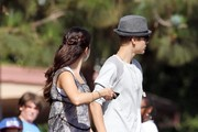 "Actress Selena Gomez gets a visit from her pop star boyfriend Justin Bieber as she films for ""Parental Guidance"" in Los Angeles with actor Nat Wolf and Australian actor Lachlan Buchanan."