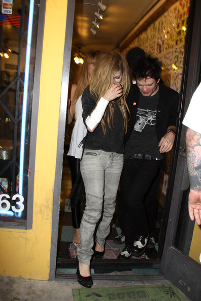 Deryck Whibley Avril Lavigne and Deryck Whibley. The couple that tattoo