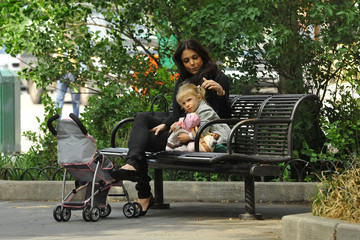 Bethenny Frankel Bethenny Frankel Spends the Day with Bryn