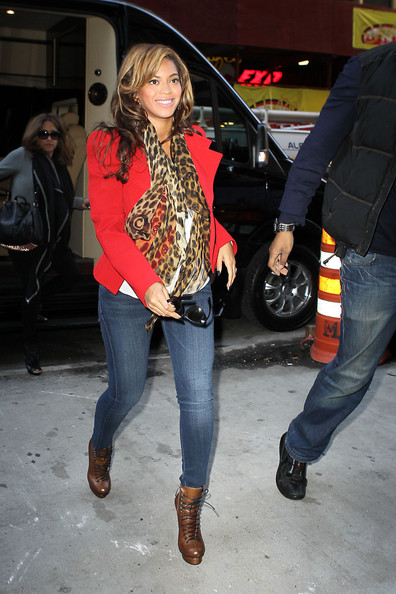 Beyonce Knowles - Beyonce Out and About in NYC