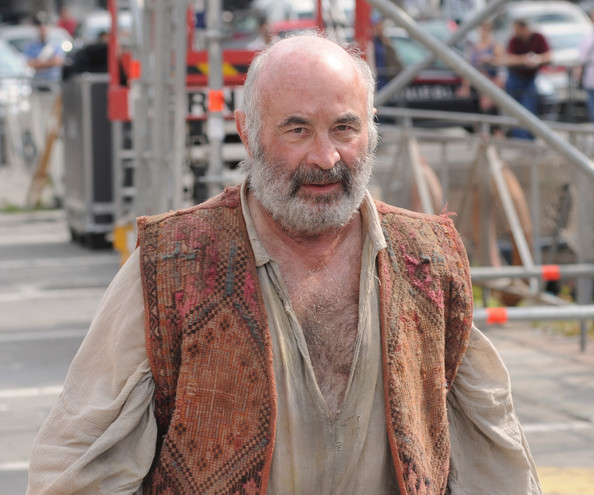 bob hoskins pictures anna friel on set in italy zimbio